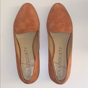 SOLE SOCIETY   So-Macey Flats Soft Coral Suede 10M